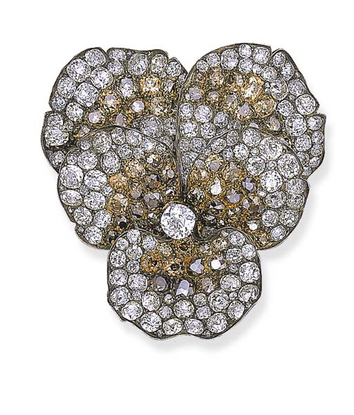 AN ANTIQUE DIAMOND PANSY BROOC
