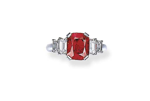 A FINE RUBY AND DIAMOND RING,