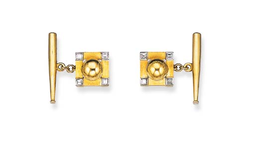 A PAIR OF DIAMOND AND 18K GOLD BASEBALL CUFF LINKS