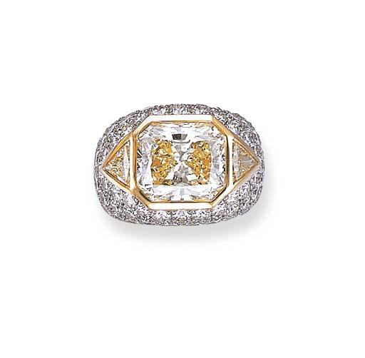 A DIAMOND AND COLORED DIAMOND RING