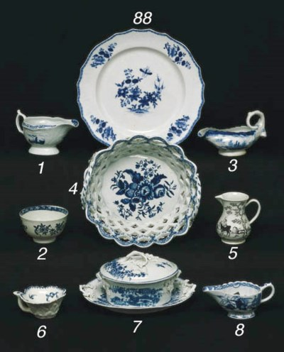 A WORCESTER BLUE AND WHITE OVA