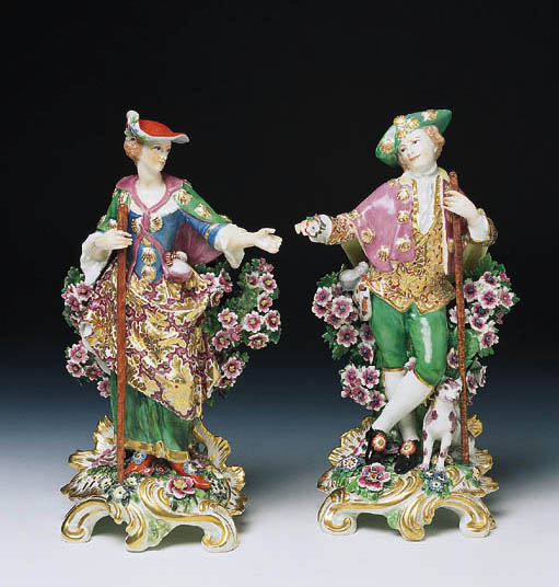 A PAIR OF CHELSEA FIGURES OF A