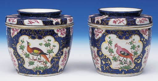A PAIR OF WORCESTER BLUE SCALE