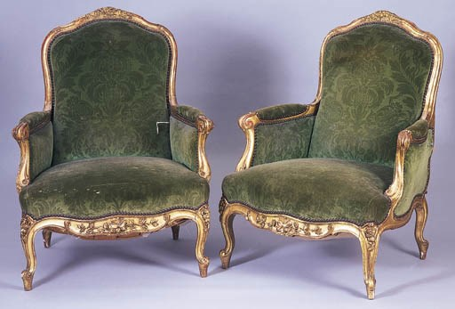 A PAIR OF LOUIS XV STYLE BERGE