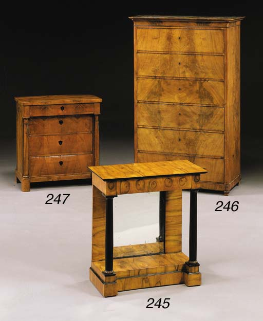 A BIEDERMEIER WALNUT COMMODE