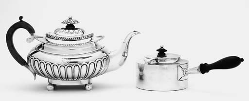 AN INDIAN COLONIAL TEAPOT AND