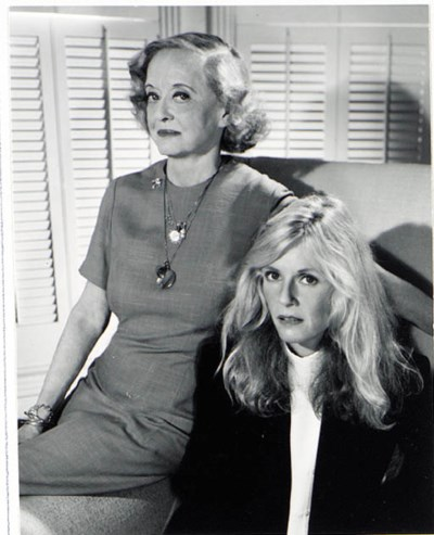 BETTE DAVIS AND KIM CARNES PHO