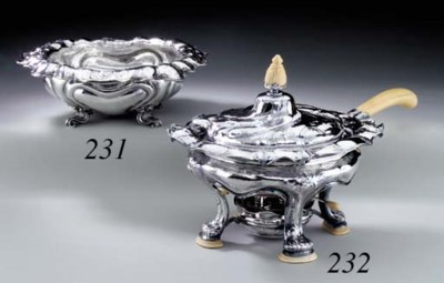 A MARTELÉ SILVER CHAFING DISH