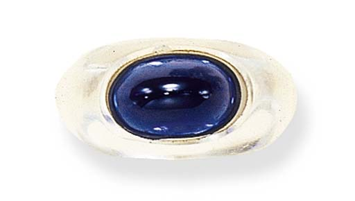 A SAPPHIRE AND ROCK CRYSTAL RI