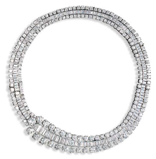 AN ELEGANT DIAMOND CHOKER, BY