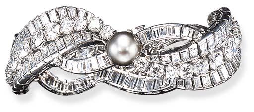 A DIAMOND AND NATURAL PINKISH
