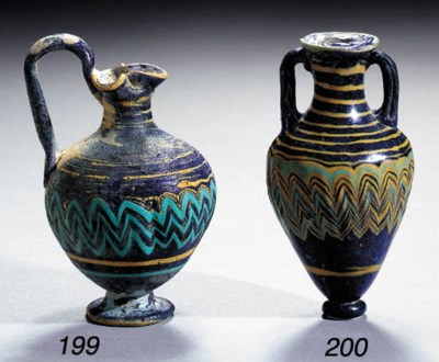 A CORE-FORMED GLASS OINOCHOE