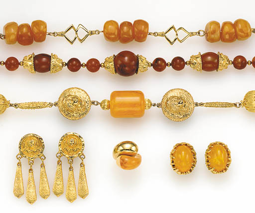 A GROUP OF SIMULATED AMBER AND