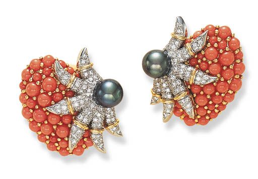 A PAIR OF CULTURED BLACK PEARL