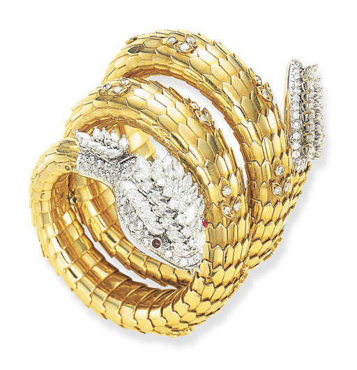 A STRIKING DIAMOND AND GOLD SE