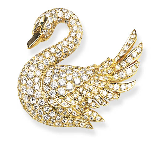 A DIAMOND AND GOLD SWAN BROOCH