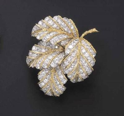 A FINE DIAMOND BROOCH, BY VAN