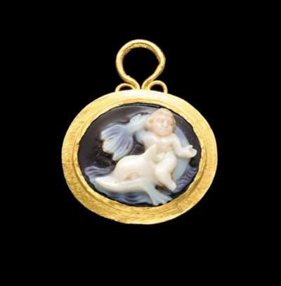 A ROMAN GOLD AND ONYX CAMEO PE