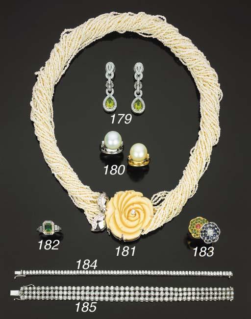 Coppia di anelli con perla col