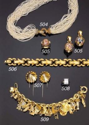 Bracciale in oro con charms