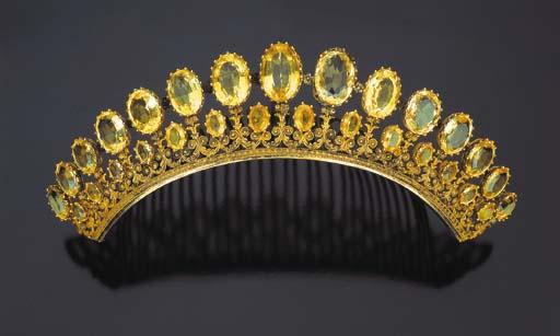 Antica tiara con quarzi