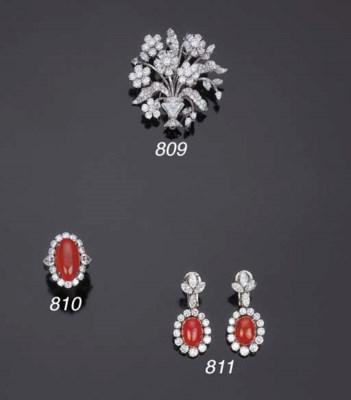 Anello con rubino e diamanti,
