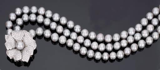 Lunga collana in perle coltivate grigie e brillanti