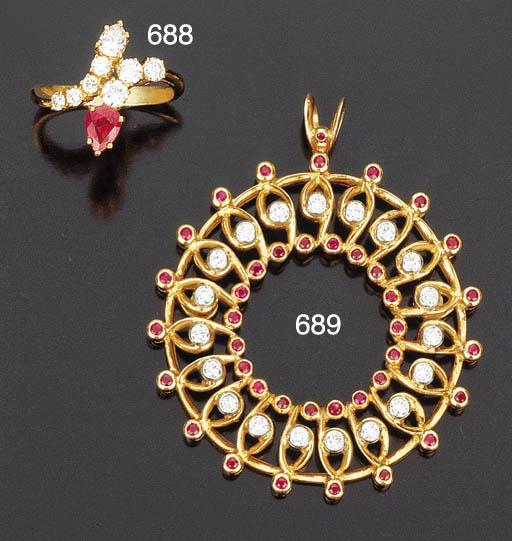 Due anelli con rubino e diamanti