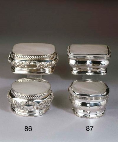 A set of two Dutch silver bisc