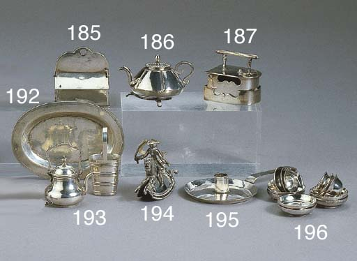 A Dutch silver miniature kettl