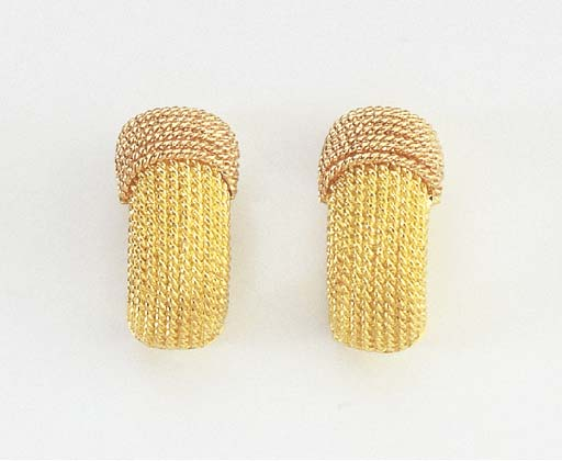 A PAIR OF GOLD EARCLIPS