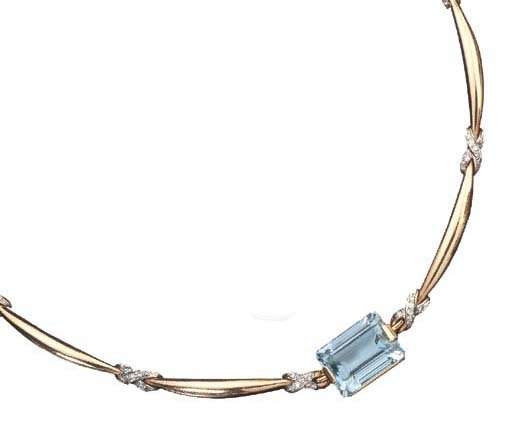 A DIAMOND AND AQUAMARINE NECKL