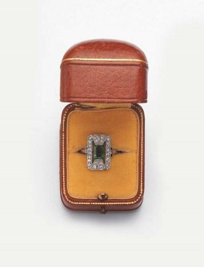 AN ART DECO PLATINUM DIAMOND A