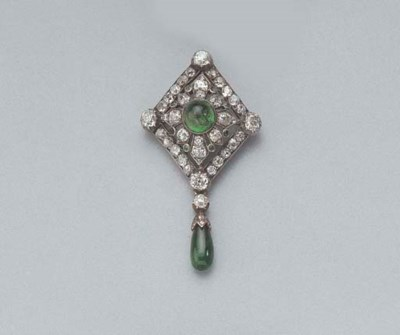 AN ANTIQUE DIAMOND AND EMERALD