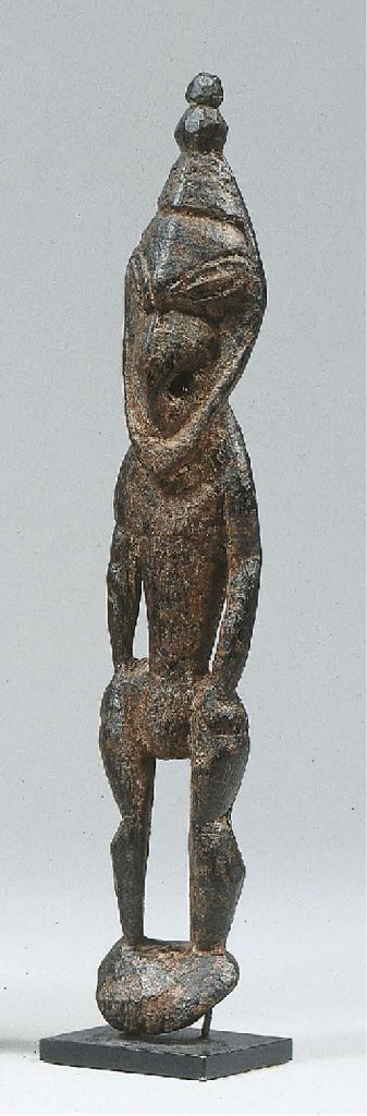 A NEW GUINEA FIGURE