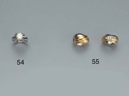 TWO GOLD BAND RINGS