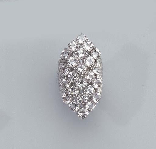 A WHITE GOLD, DIAMOND AND SAPP