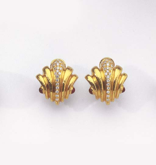 ZOLOTAS. A PAIR OF GOLD, DIAMO