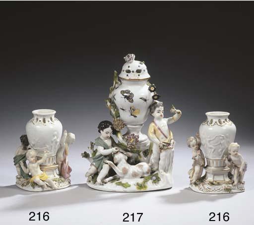 A Meissen porcelain figural po