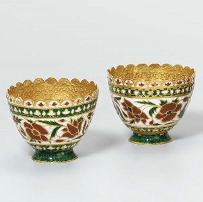 A PAIR OF INDIAN ENAMELLED GOL