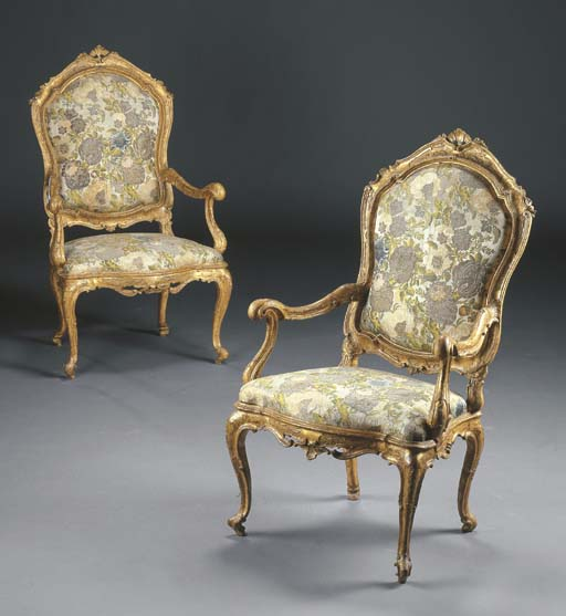 A PAIR OF NORTH ITALIAN GILT-W