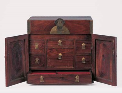 A HUANGHUALI TABLE-TOP CHEST,