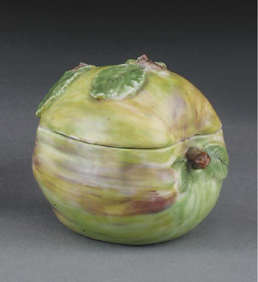 A Bow apple-box and cover