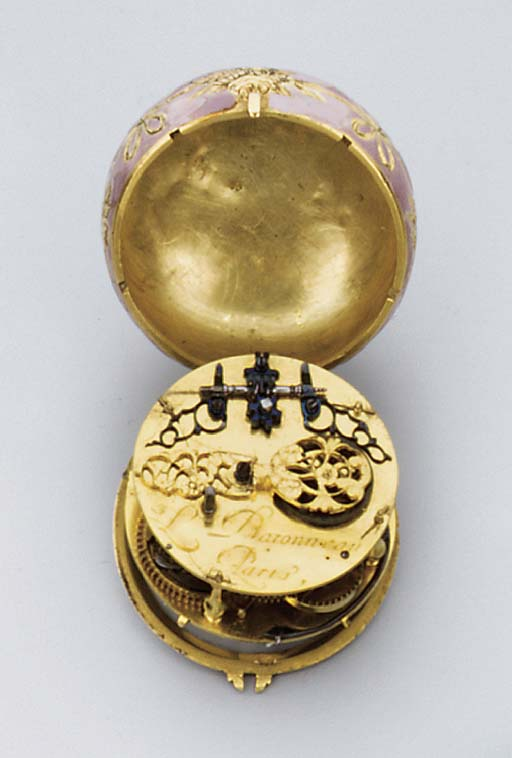 A FRENCH GOLD AND ENAMEL SMALL