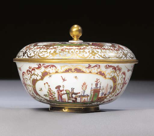 A Meissen chinoiserie shallow