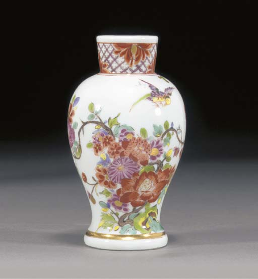 A Meissen small inverted balus