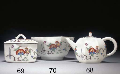A Meissen Kakiemon teapot and