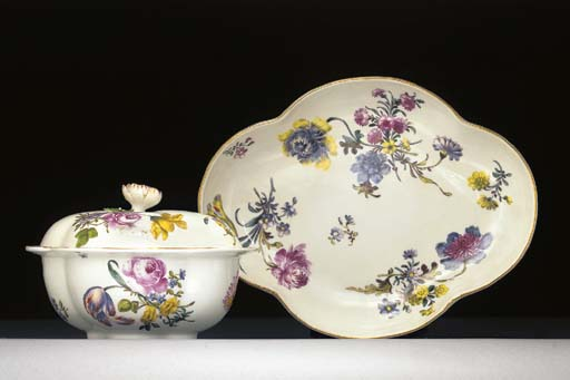 A Meissen quatrefoil sauce-tureen, cover and stand