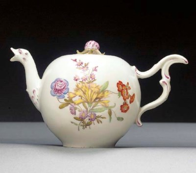 A Zürich globular teapot and c