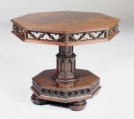 AN EARLY VICTORIAN OAK OCTAGON
